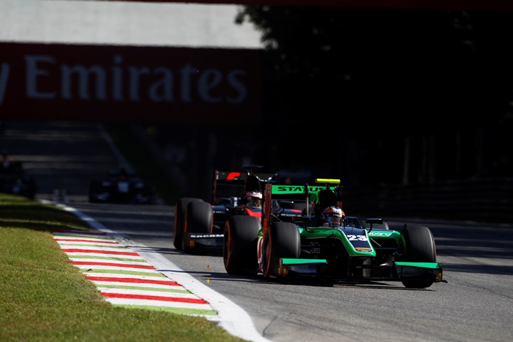 STANAWAY SCORES FOR STATUS IN GP2 SPRINT RACE